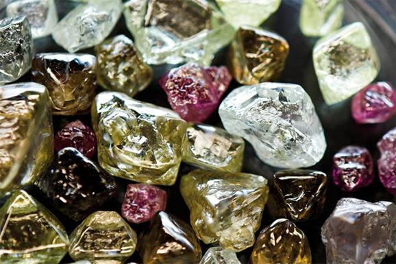 Global Rough Diamond Production Estimated To Hit Over 135m
