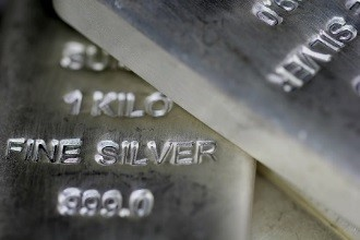 Can Fed's Tightening Keep Silver Down? Capital Economics Weighs In