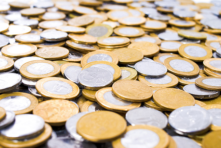 Standard Chartered Sees Gold Rising After FOMC Meeting