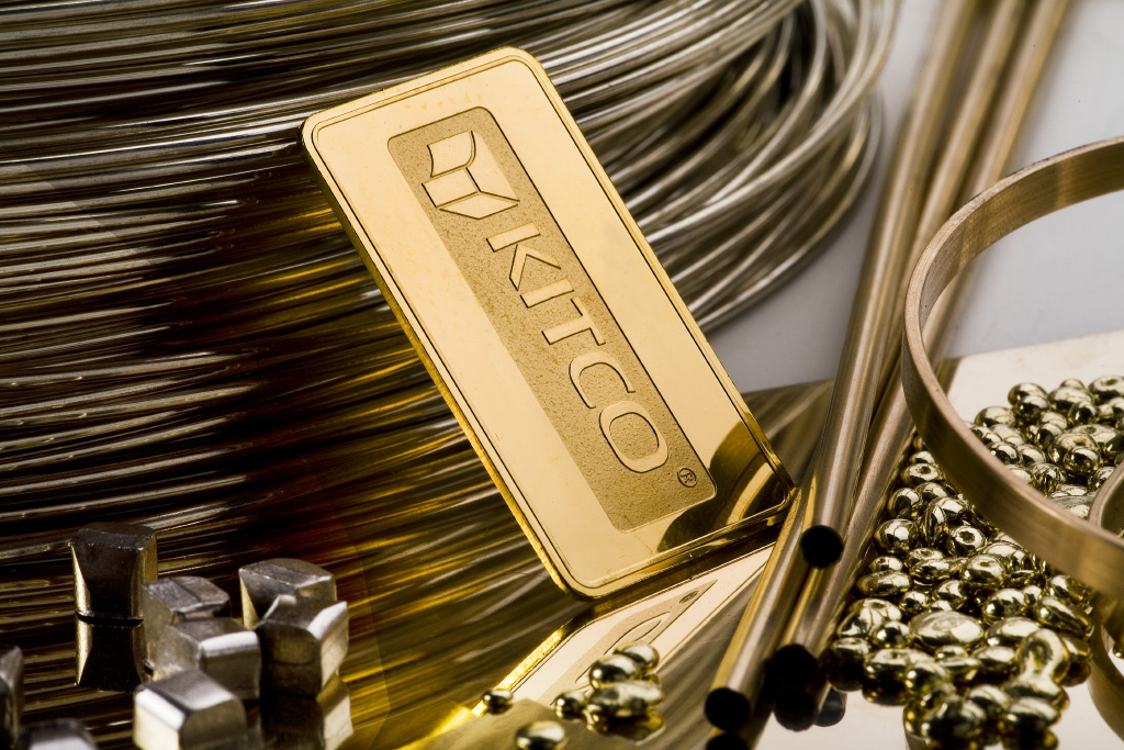 Standard Chartered: $1,220 Could Be Turning Point For Gold