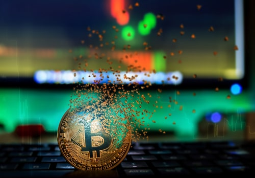 Bitcoin Plummets To Lowest Level In Over A Year, Trades Below $6,000