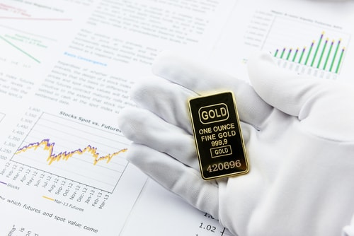 Gold Should Be 'Nicely' Above $1,300 By Now, What's Holding It Back? Pepperstone Weighs In