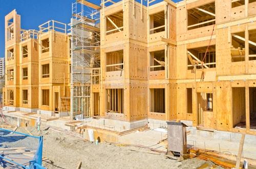 Gold Prices Under Slight Pressure Amid Mixed U.S. Housing Data