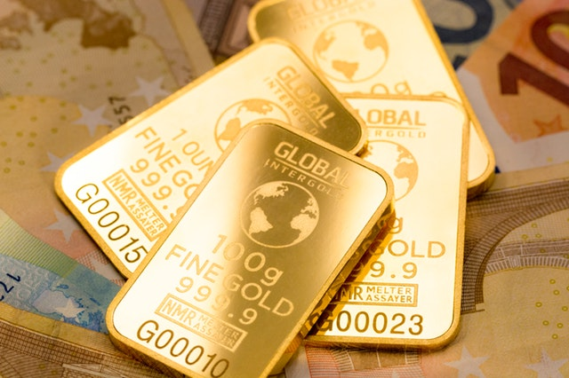 Gold will be the last man standing in a currency war – Mark
