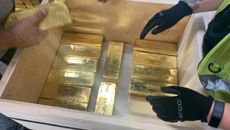 PHOTOS: How to transport 8,000 gold bars in secret 3