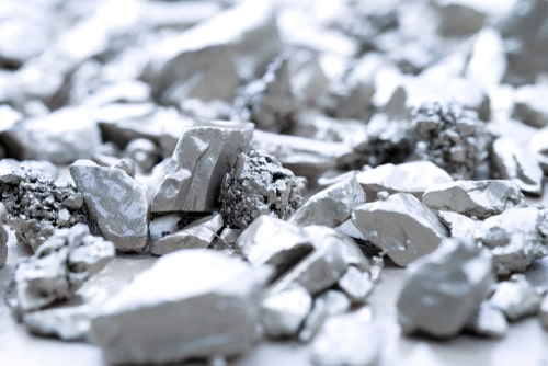 Platinum breaches $1,000, nears 2-year high as investors turn long on the metal — analysts