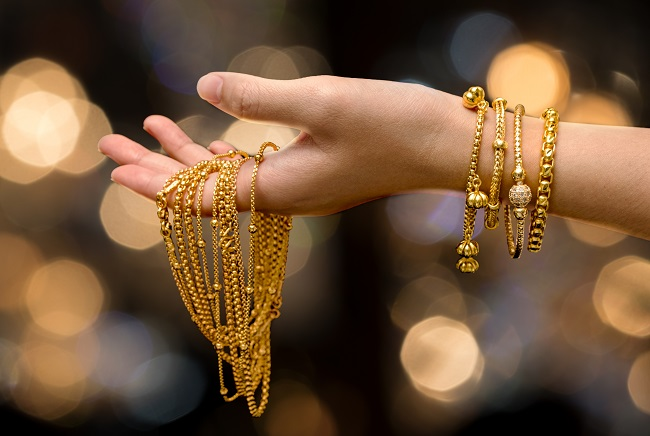 Chinese, Indian gold jewelry demand falling off a cliff - Capital Economics  | Kitco News